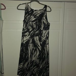 Ann Taylor lined dress black over cream strokes
